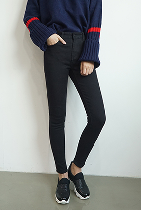 NA842 (25 to 34) <BR> Real Black Jeans