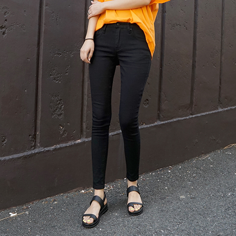 <FONT color=#f91305>25,000 pieces exceeded</font> <BR> Customer request <br> Black Skinny NA350 (25-36) <br> <FONT color=#f91305>(36 big size additional stock)</font>